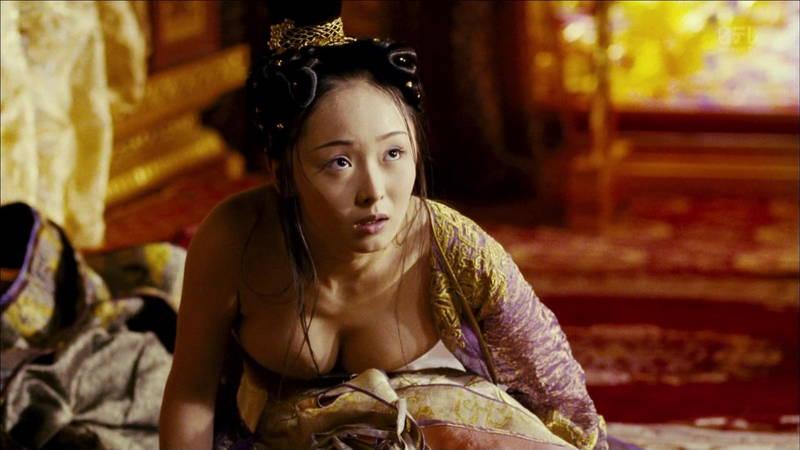 【王妃の紋章キャプ画像】中国映画を普通に観ていたのに気がついたらおっぱいしか見えなくwww 21