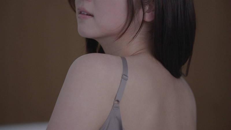 【佐々木希キャプ画像】佐々木希みたいな完璧に可愛い人は背中までエロ美しいらしいwww 04