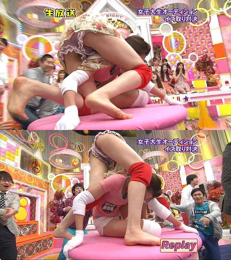 【アイドルキャプ画像】張り切りすぎてテレビでパンツを披露してしまった人気アイドルたちwww 06