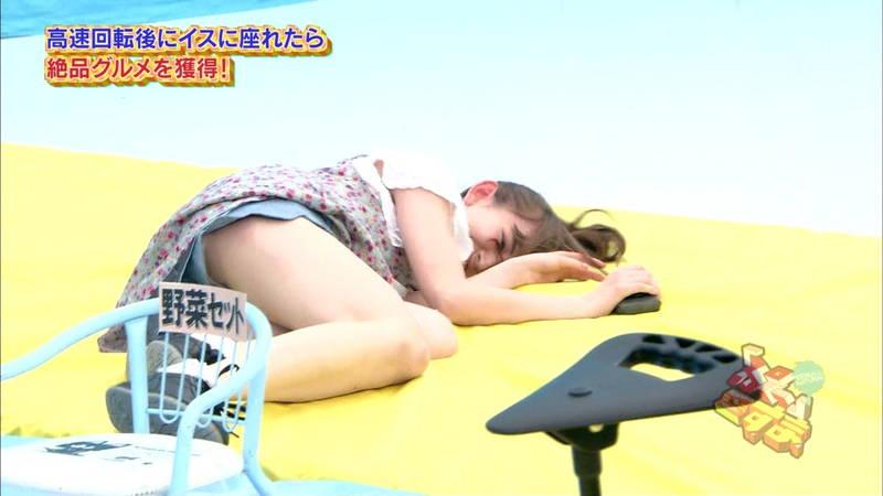 【アイドルキャプ画像】張り切りすぎてテレビでパンツを披露してしまった人気アイドルたちwww 07