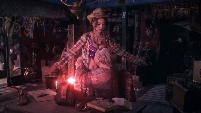 【キャバ嬢キャプ画像】キャバクラに行きたくなってしまうドレス谷間などよろずお宝まとめ! 05