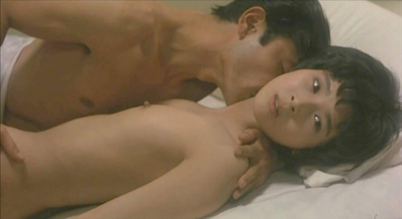 【濡れ場キャプ画像】映画やドラマの濡れ場シーンで女優の乳首が見えたときの興奮ったらないwww 17