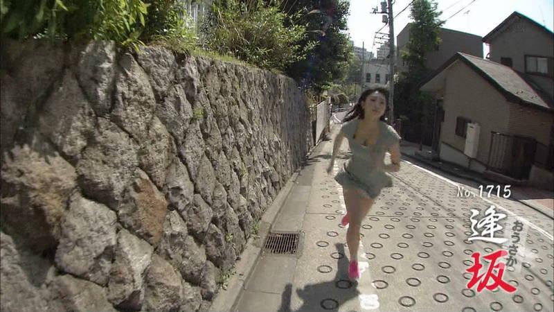 【椎名香奈江キャプ画像】巨乳グラドルがゆるふわファッションで全力ダッシュしたらこうなるwww 03