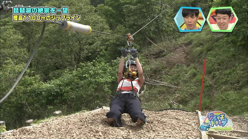 【浅田舞キャプ画像】巨乳が目立ちすぎるウェットスーツでおっぱいアピールがすぎる浅田舞www 05
