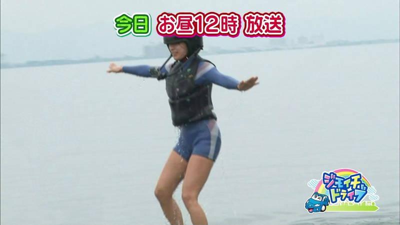 【浅田舞キャプ画像】巨乳が目立ちすぎるウェットスーツでおっぱいアピールがすぎる浅田舞www 12