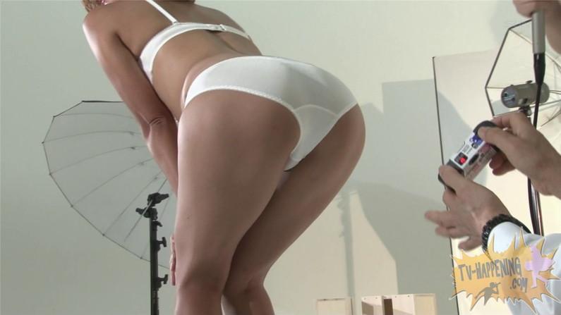 【お宝キャプ画像】ケンコバのバコバコTVでセクスィバトルとか言うコーナでTバックの尻がエロすぎw 33