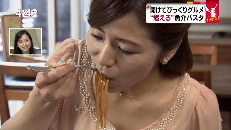 【擬似フェラキャプ画像】まるで男性器を咥えるかのように食レポしちゃうタレント達w 21