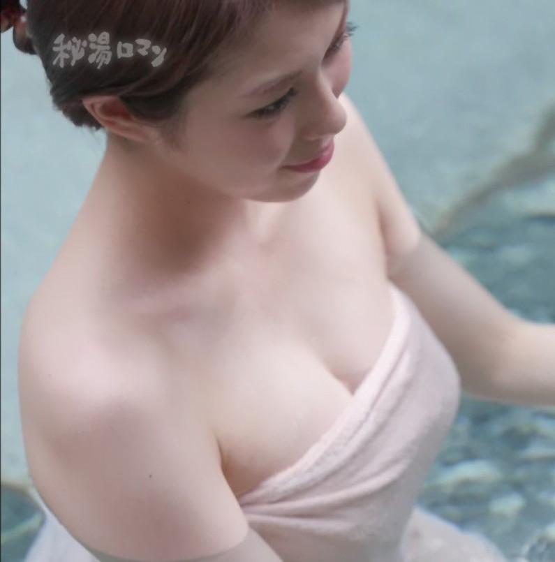 【温泉キャプ画像】美女の入浴姿を拝める温泉レポや温泉番組って絶対エロ目線で見るよなw 23