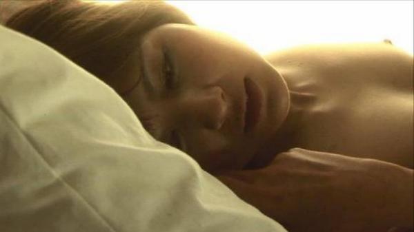 【濡れ場キャプ画像】濡れ場やベッドシーンで見せる女優さんの表情や乳首がエロいw