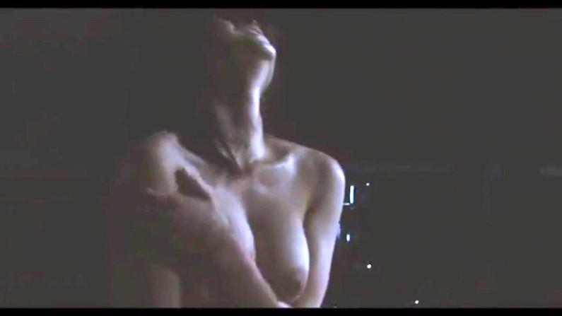 【濡れ場キャプ画像】濡れ場やベッドシーンで見せる女優さんの表情や乳首がエロいw 09