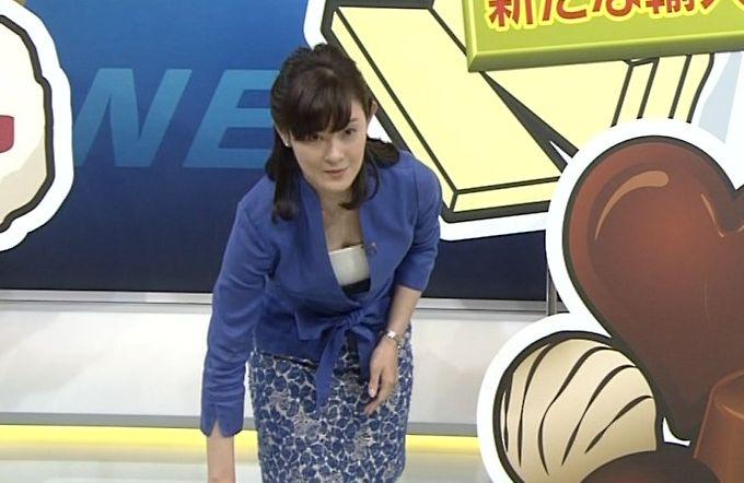 【胸ちらキャプ画像】こんなけ胸ちらさせてるのはテレビ局側からの命令なのか?w 18