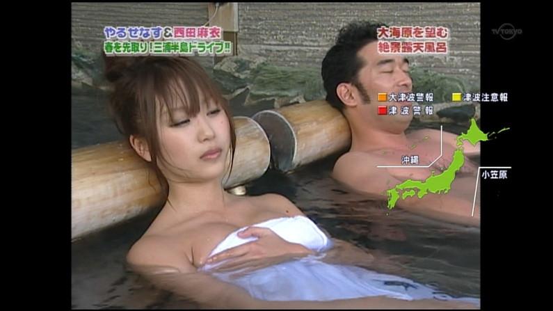 【温泉キャプ画像】温泉レポで見れるタレントさん達のハミ乳ってやっぱエロいよなw 21