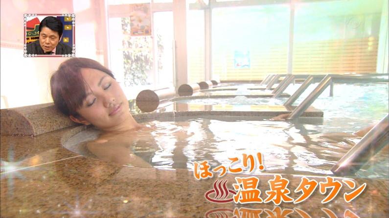 【温泉キャプ画像】温泉レポで見れるタレントさん達のハミ乳ってやっぱエロいよなw 22