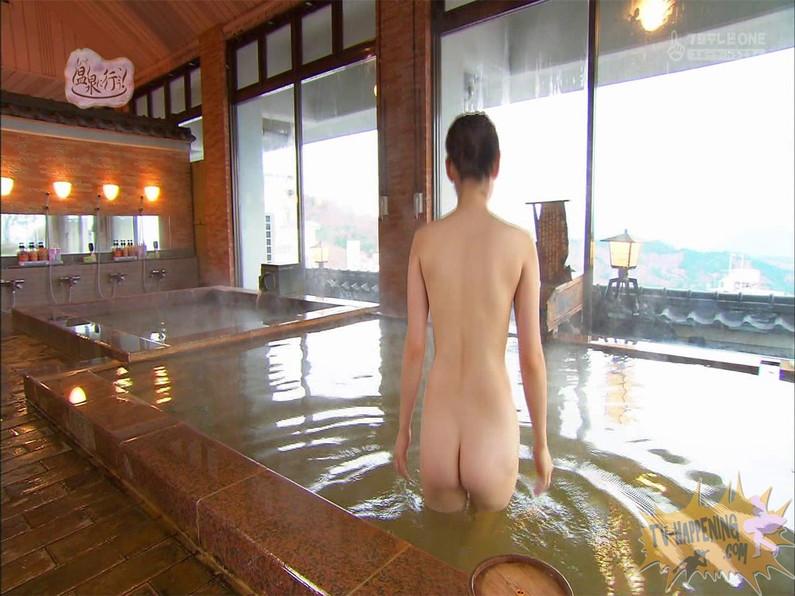 【お宝エロ画像】お尻は見せてくれるがマンコと乳首は絶対見せてくれないもっと温泉に行こうw 27