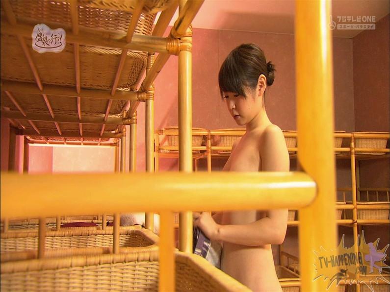 【お宝エロ画像】お尻は見せてくれるがマンコと乳首は絶対見せてくれないもっと温泉に行こうw 71