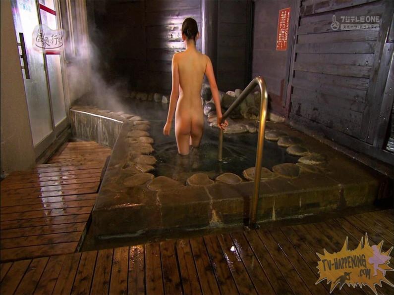 【お宝エロ画像】お尻は見せてくれるがマンコと乳首は絶対見せてくれないもっと温泉に行こうw 74