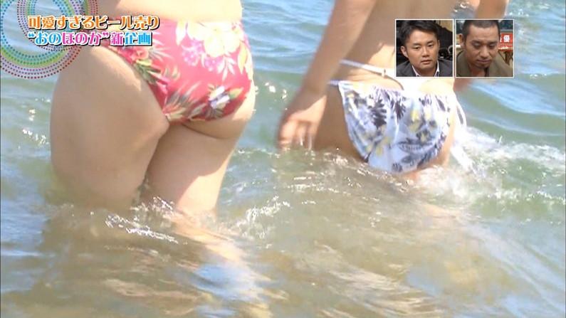 【お尻キャプ画像】テレビに映る美女達のお尻が水着や衣装からはみ出しまくってエロすぎw 13