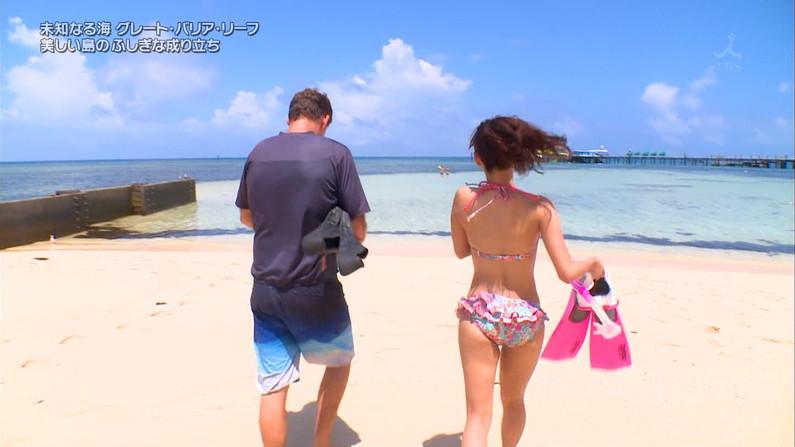 【お尻キャプ画像】水着やらパンツからお尻がハミだしまくってる美女達がテレビに出てるぞww 04