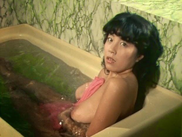 【濡れ場キャプ画像】女優さんの生オッパイまで見れちゃう濡れ場やエッチなシーンww 22