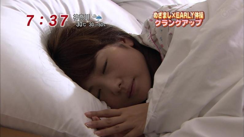 【寝顔キャプ画像】女性タレント達の寝顔大公開!マジで夜這い仕掛けたくなるぞw