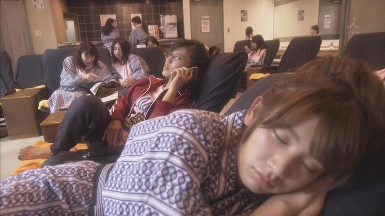 【寝顔キャプ画像】女性タレント達の寝顔大公開!マジで夜這い仕掛けたくなるぞw 12