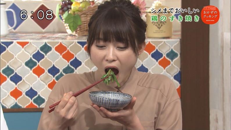 【擬似フェラキャプ画像】食レポの食べ方がどう見てもエロく見えてしまう女子アナ達w 10
