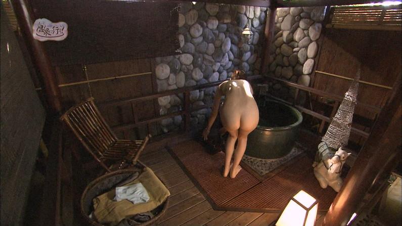【温泉キャプ画像】テレビでやる温泉番組のタレント達の入浴シーンってやっぱエロいよなw 04
