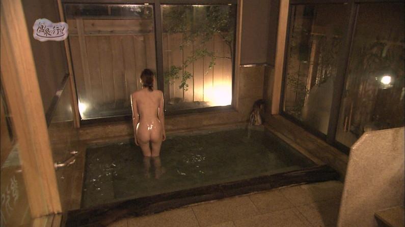 【温泉キャプ画像】テレビでやる温泉番組のタレント達の入浴シーンってやっぱエロいよなw 07