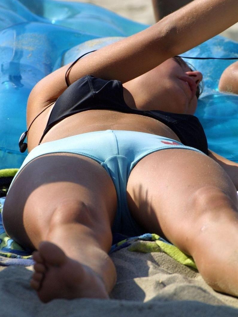 【おまんこ画像】世界中のハプニングで女の子のおまんこが見えてしまってるがどうするの?結果ww(2017/1/20 画像追加) 19