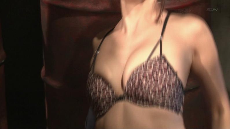 【お宝エロ画像】ケンコバのバコバコTVでまたルイちゃんがおマンコ見せハプニングww 54
