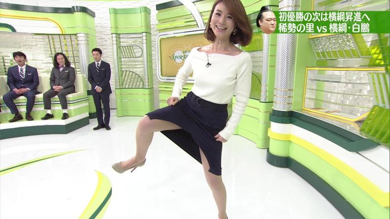 【太ももキャプ画像】タレントさん達の綺麗な脚で一度虐められてみたくはありませんか?w 11