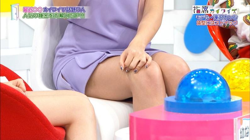 【太ももキャプ画像】タレントさん達の綺麗な脚で一度虐められてみたくはありませんか?w 23