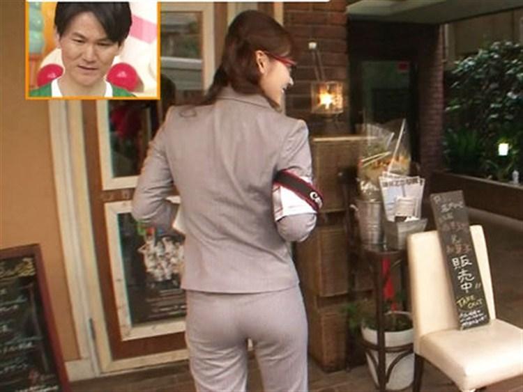 【お尻キャプ画像】タレントさん達がピタパン履いてエッチなヒップライン強調してるぞw 23