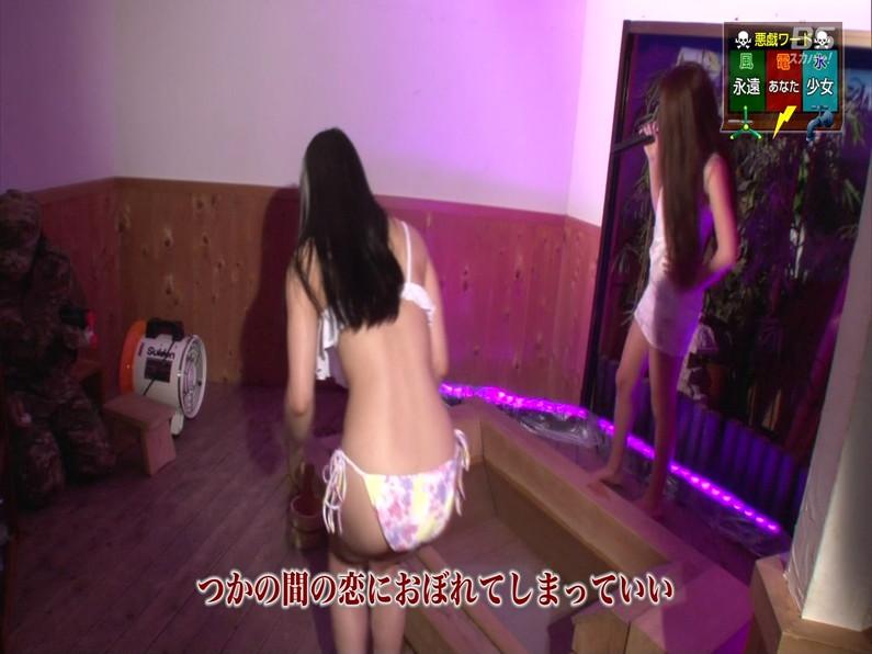 【お宝エロ画像】セクシー女優歌合戦とか言う番組で女優達が歌ってる最中に股間に電気流されて悶絶しとったww 19