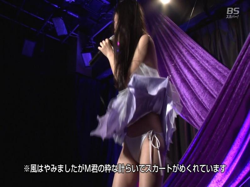 【お宝エロ画像】セクシー女優歌合戦とか言う番組で女優達が歌ってる最中に股間に電気流されて悶絶しとったww 43