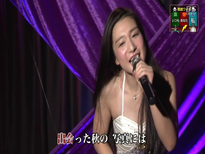 【お宝エロ画像】セクシー女優歌合戦とか言う番組で女優達が歌ってる最中に股間に電気流されて悶絶しとったww 47
