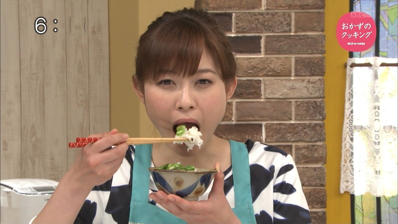 【擬似フェラキャプ画像】食レポ時の顔がエロすぎるタレント達のフェラ顔をご覧あれw 04