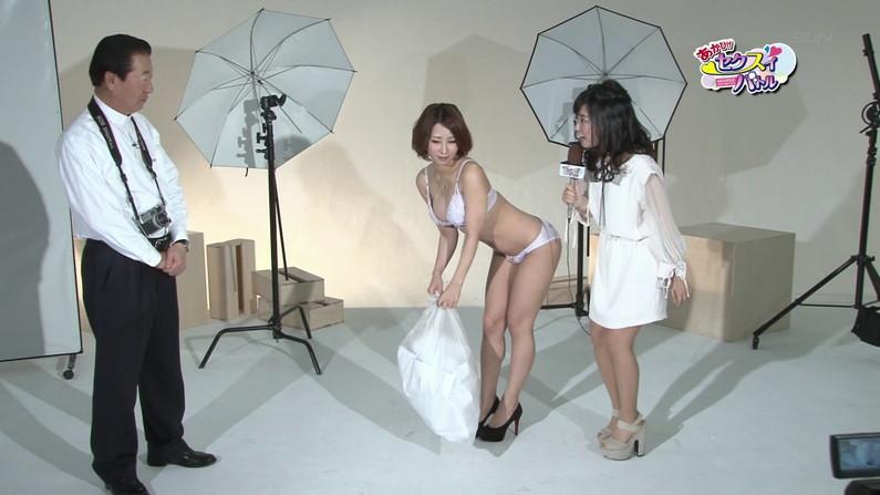 【お宝エロ画像】ケンコバのバコバコTVで水着美女がエロいポーズ取ってるぞww 21