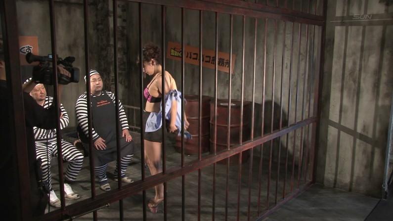 【お宝エロ画像】ケンコバのバコバコTVで水着美女がエロいポーズ取ってるぞww 27