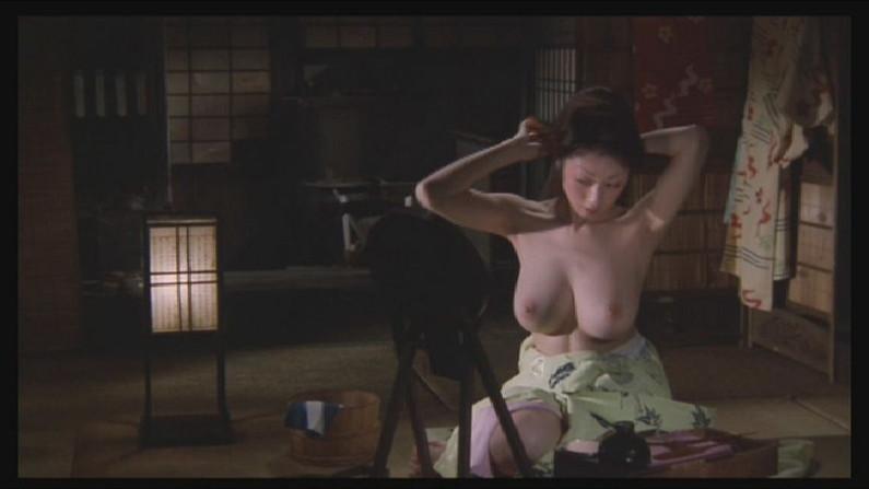 【濡れ場キャプ画像】映画などで女優さん達が乳首出して名演技披露ww