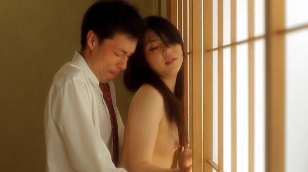 【濡れ場キャプ画像】映画などで女優さん達が乳首出して名演技披露ww 18