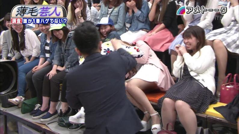【パンチラキャプ画像】テレビなのにパンチラする女多すぎだろww 09