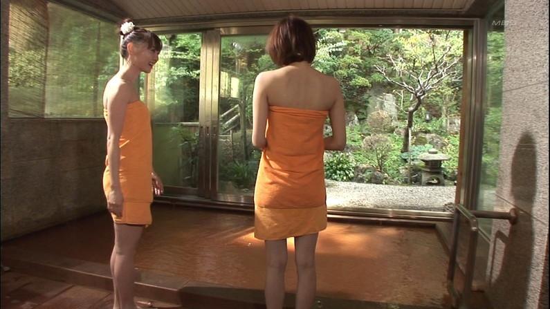 【温泉キャプ画像】いつ見ても美女の入浴してる姿ってエロいよなw 16