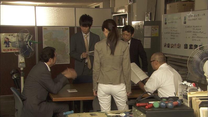 【お尻キャプ画像】タレントさん達がエロいお尻突き出してパンティーライン見せつけww
