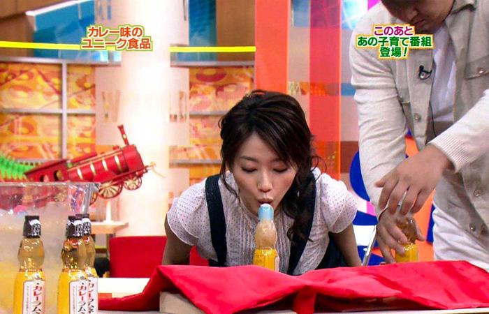 【疑似フェラキャプ画像】そんなエロい表情してるから食レポしててもフェラ顔にしか見えないんだよw 24