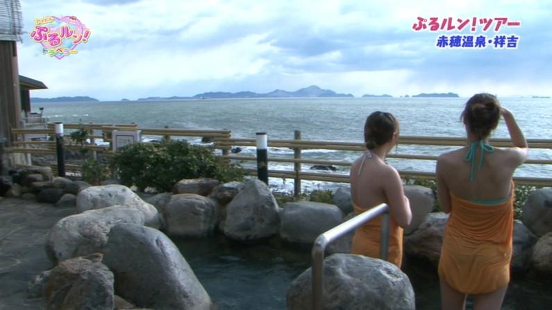 【温泉キャプ画像】ハミ乳しまくりでポロリが期待できる温泉レポートww 18