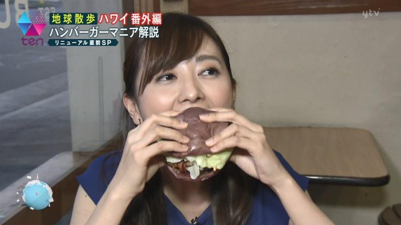 【疑似フェラキャプ画像】食レポしてる時つい本性が現れちゃってエッチな顔になってるタレント達w 04