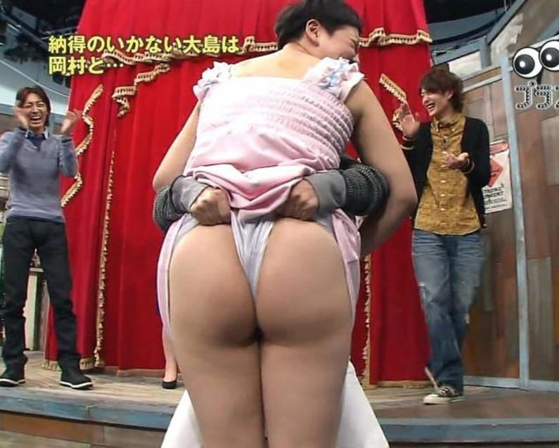 【お尻キャプ画像】水着やら下着でテレビに出てくる美女達のお尻がエロすぎw 19