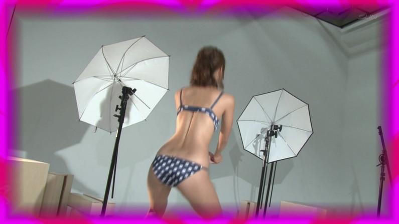 【お宝エロ画像】下着姿の美女が大きなお尻振って誘惑してるぞww 29