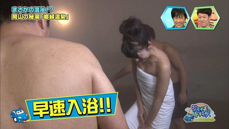 【温泉キャプ画像】谷間見せつける美女達のセクシー入浴シーンって思わず見入ってしまいますねw 13